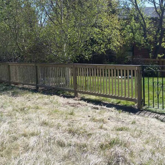 Professional Fencing 2000 Ltd Serving Calgary for Over 30 Years